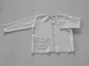 giacchina con taschina abbinata al vestittino